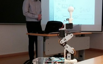 José María Presented his Master Thesis about an educational manipulator programmable under Simulink